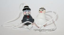 Trouwbedankje met gelukspoppetjes bruidspaar