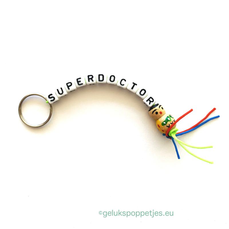 Superdoctor gelukspoppetjes sleutelhanger