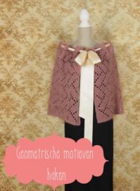 Gehaakte sjaal Asti (geometrische motieven)