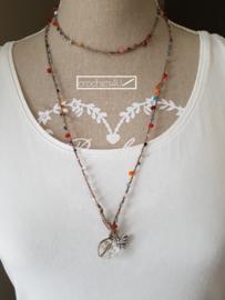 Gehaakte halsketting met kralen, antiek zilveren bedeltje vlinder