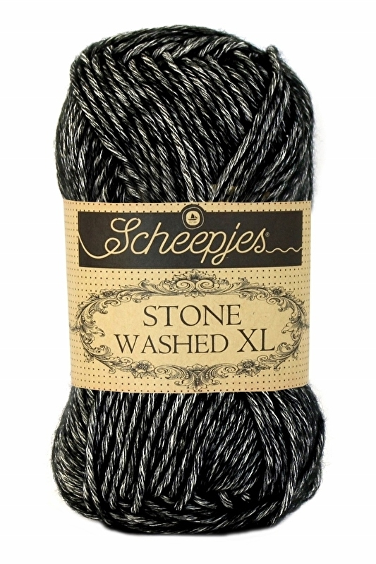 Scheepjes Stone Washed XL - 843 -Black Onyx