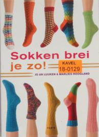 BOEK - AA-0079 - R-004  SOKKEN BREI JE ZO