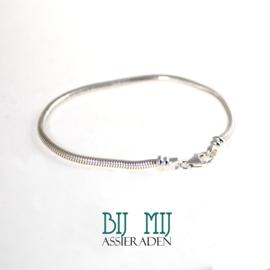 Slangenarmband voor as-kraal