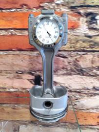 Porsche Cayenne V8 Piston clock