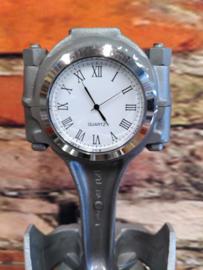 Ford 302 V8 Piston clock