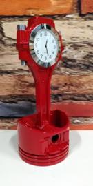 V8 Piston clock, rood