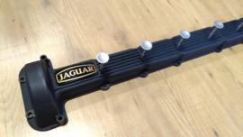 Jaguar V12 Jacken Garderobe