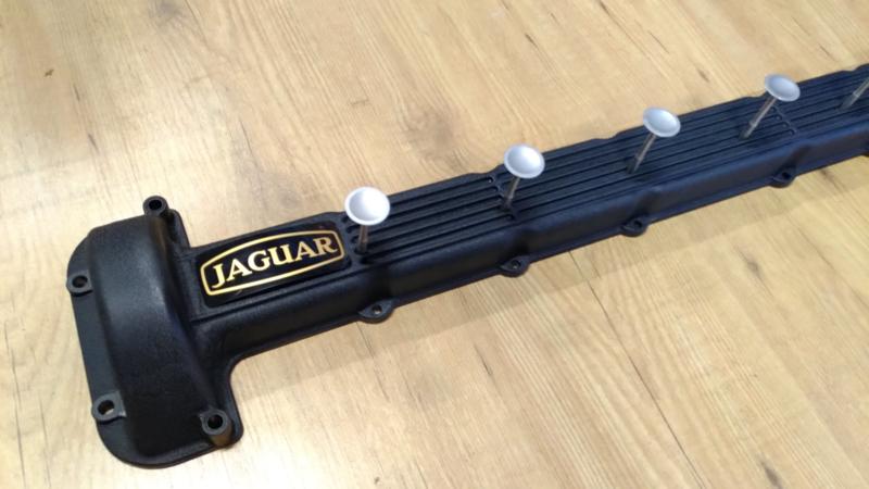 Jaguar V12 kapstok