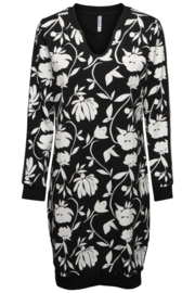 Zoso 194Tiki Sweat dress with allover print