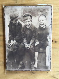 Nostalgisch bordje 17 Foto van 3 jongens