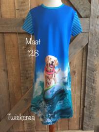 Jurk met hond op surfplank maat 128
