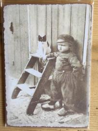 Nostalgische bordje 3 Foto jongens met kat