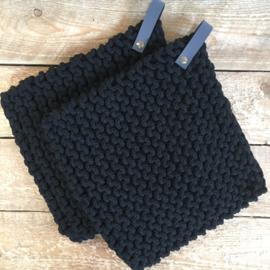 Pannenlap vierkant zwart met leren lus