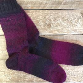 Handgebreide dames sokken maat 40/41
