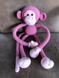 Slungelige knuffel aap