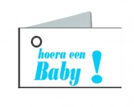 Naamkaartjes Wit+hoera een baby blauw 8 pakjes van 32st