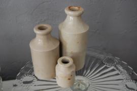 oude flesjes van aardewerk