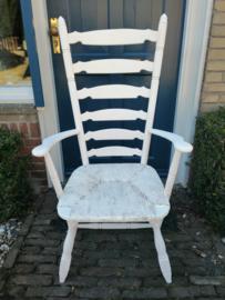 witte oude stoel