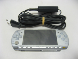 PSP Slim 2004 'Silver' incl. 32MB Memory Stick