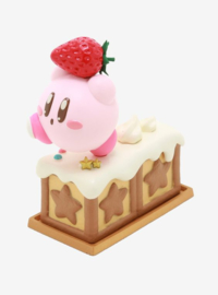 Kirby Paldolce Collection Vol.2 - Kirby Holding Starberry Cake (New)
