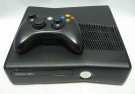 XBOX 360 S 4GB Console Set