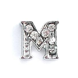 letter M, charm voor in het medaillon