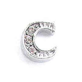 letter C, charm voor in het medaillon