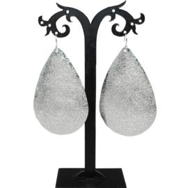 grote metallic oorbellen Silver leaves