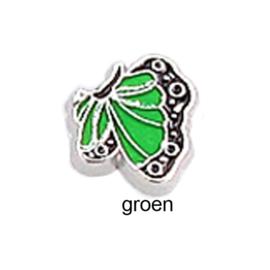 vlinder parelmoer groen, charm voor in het medaillon