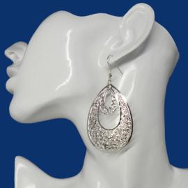 uitgewerkte lange oorbellen Silver