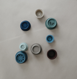 Mushie stacking cups blue