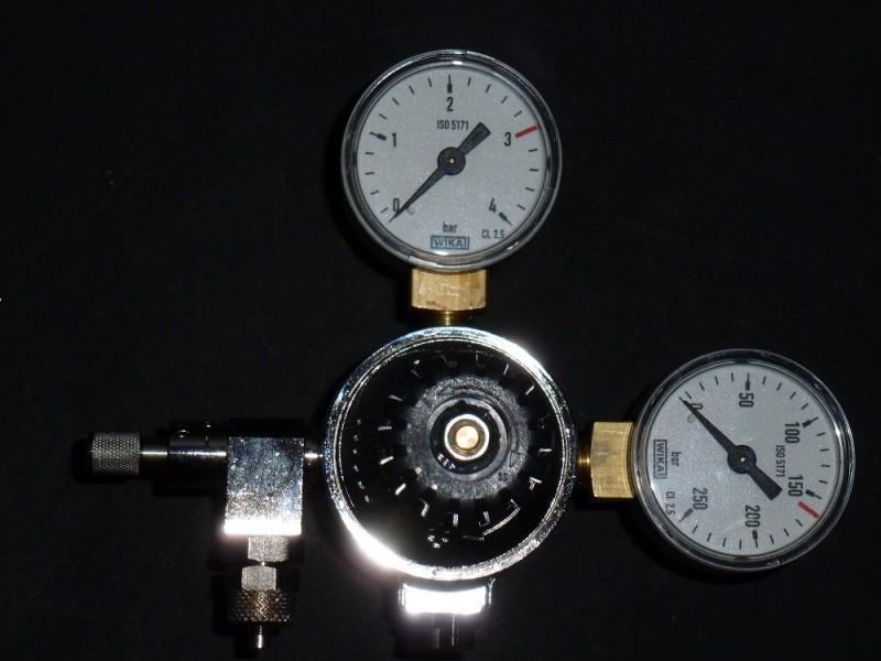 CO.2 drukregelaar met magneetventiel