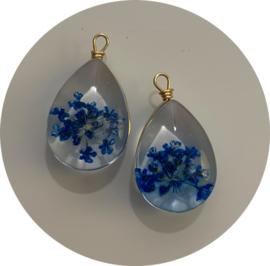 Hanger met gedroogde bloemetjes blauw