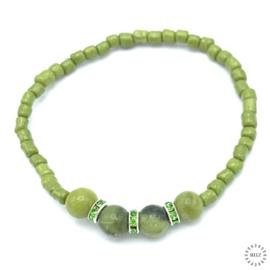 Jade armband 17-18 cm geregen op elastiek