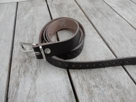 Lederen riem 2 cm bruin met gaatjes