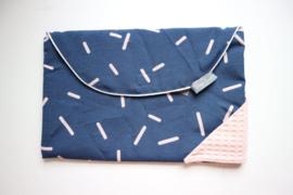 Luierenvelop - donker blauwe confetti/ oud roze wafel