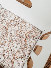 Hoeslaken wiegje brown speckle