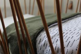 Wiegdeken funky stripes - teddy donker groen