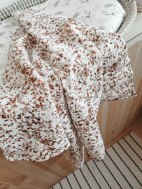 Swaddle brown speckle