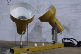 Vintage dubbele wandlamp Okergeel