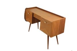 Kaptafeltje / tv meubel