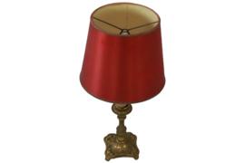 Tafellamp met messing voet en rode kap