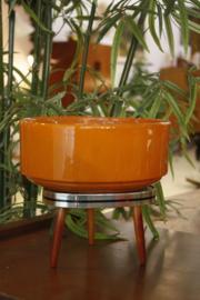 Oranje bloempot