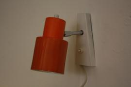 Oranje / witte wandlamp