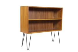 """Boekenkastje met hairpinpoten """"Wulfen"""""""