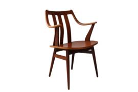 Vintage stoel (twee aanwezig)