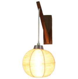 Vintage wandlampje met garen-bol