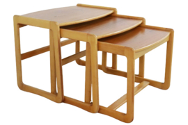 Nesting tables 'Maghull'