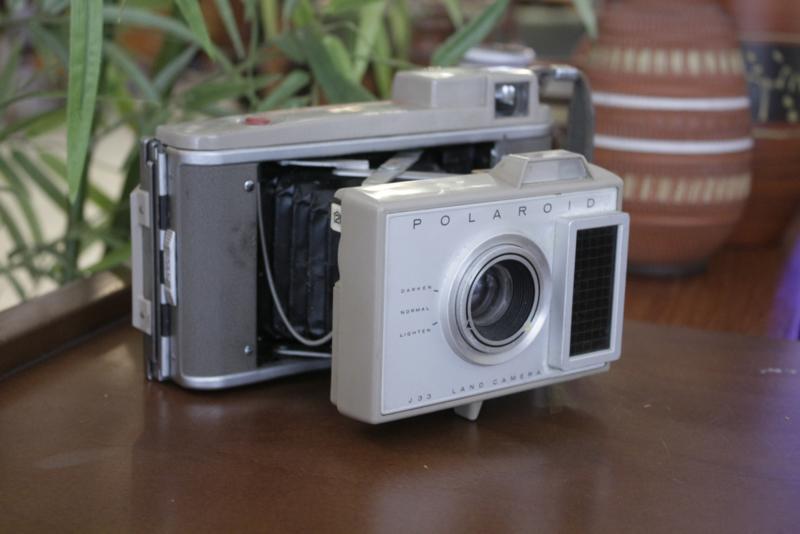 Polaroid Land Camera J33