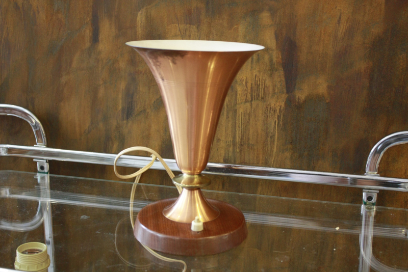 Vintage koperkleurige tafellamp